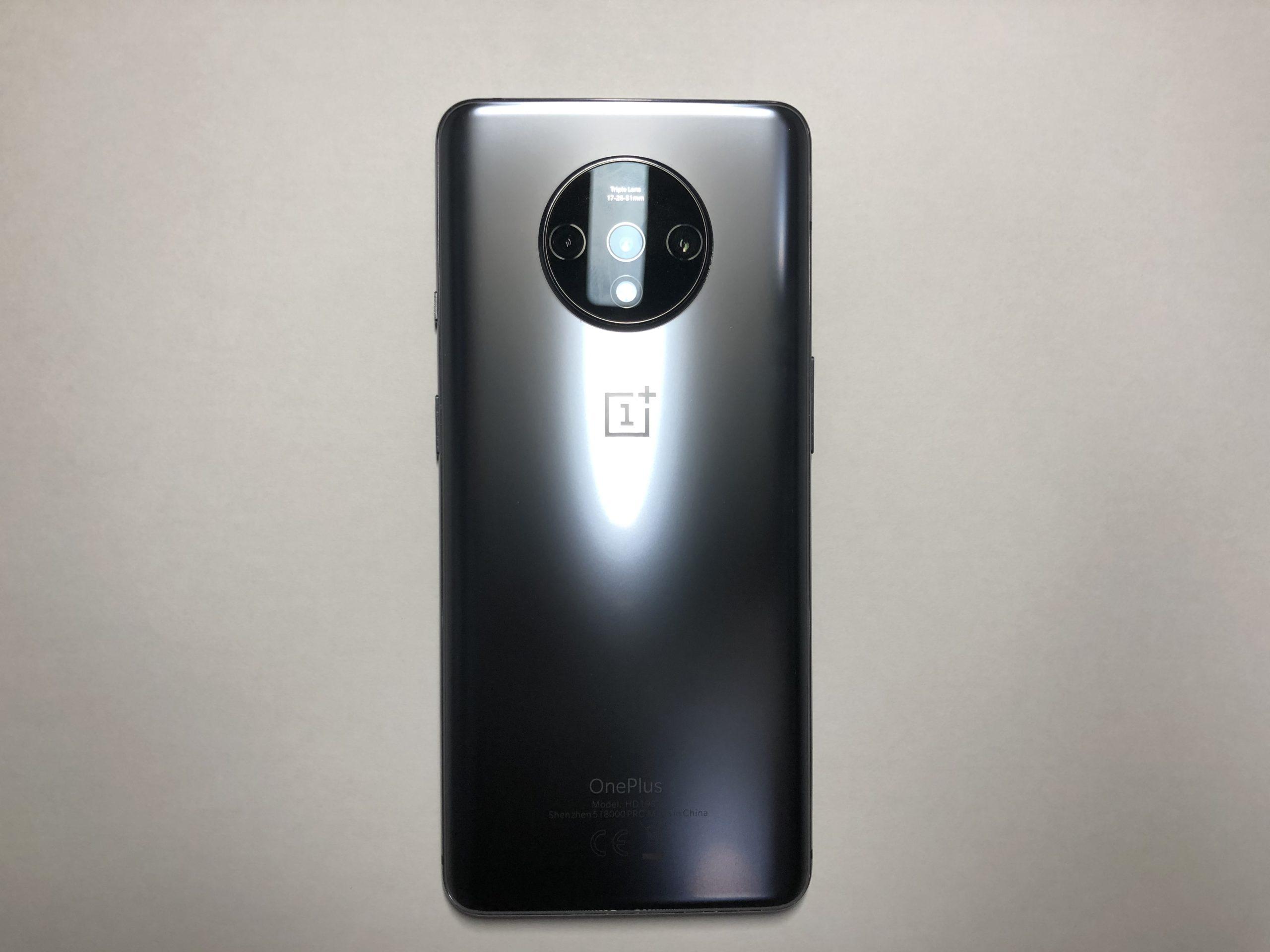 OnePlus 7T 外観